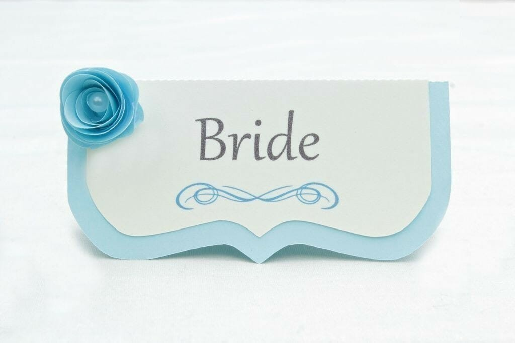 blue-flower-place-cards